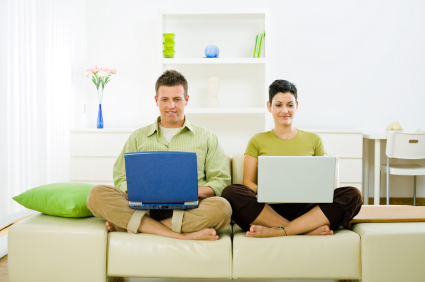 advantages of working with family and friends - Working In Home Office