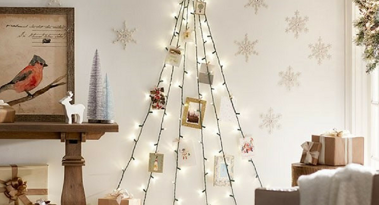 decorating doesnt have to cost a lot or use up a whole afternoon here are four simple ideas you can use to bring a little cheer to your office space this - Decorating Your Office Space For Christmas