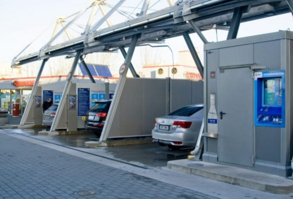 How to Set Your Car Wash Busines with State-of-the-Art Merchant Solutions