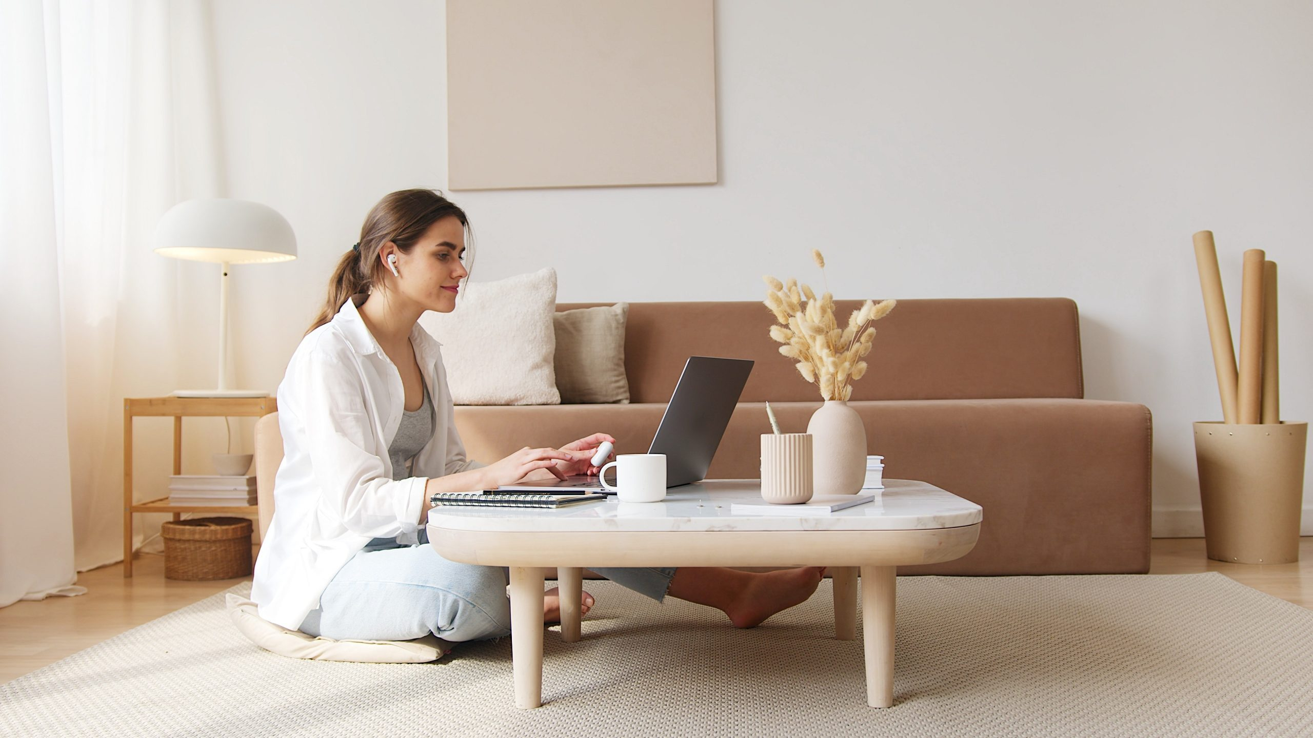 elearning woman on computer